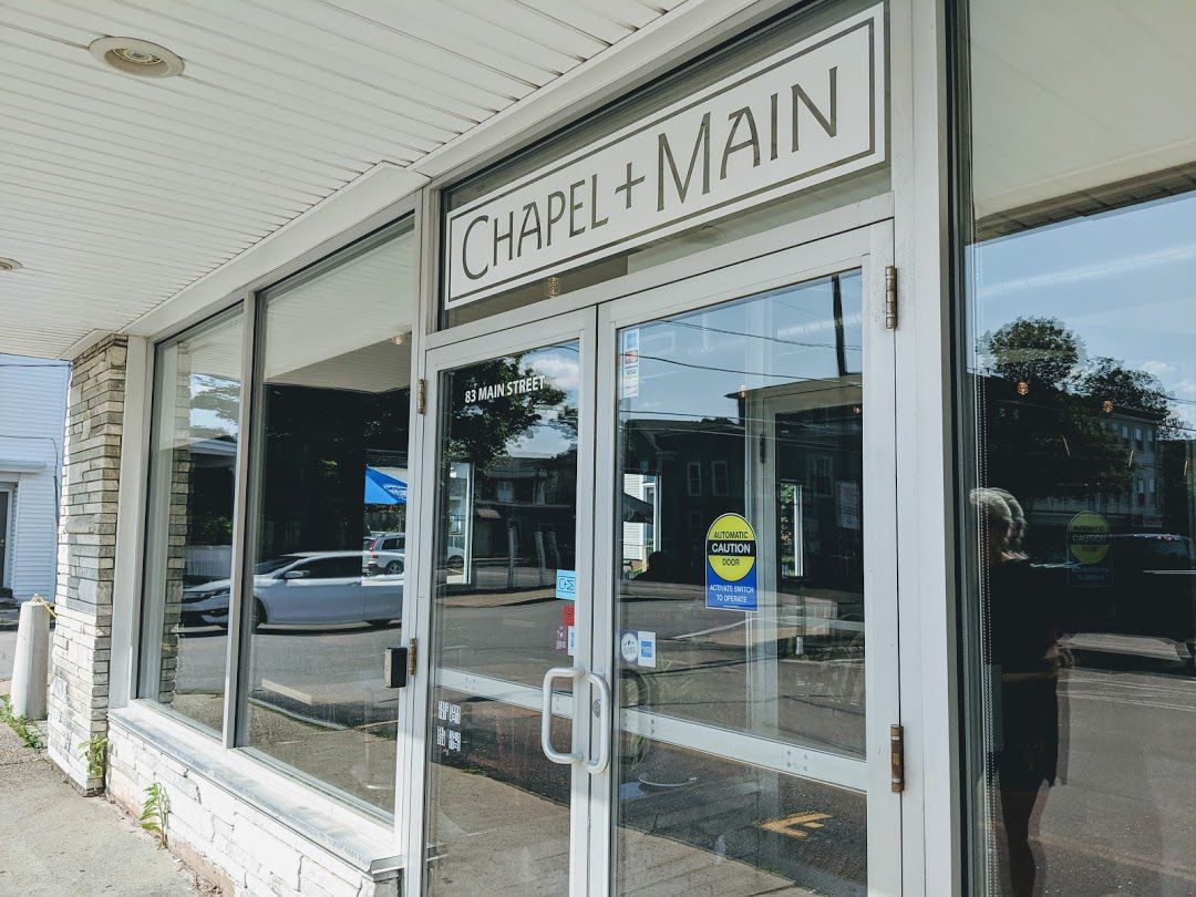 Our Gourmet: Chapel and Main exterior