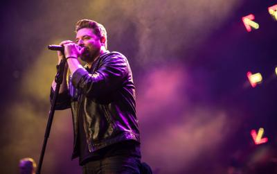 Chris Young brings country to the Queen city