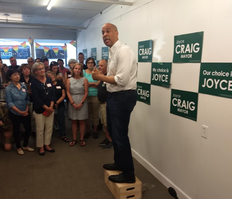 Cory Booker stumps for 'other' mayor