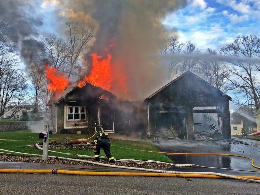 Firefighters rescue three cats from blaze that destroyed Seabrook home