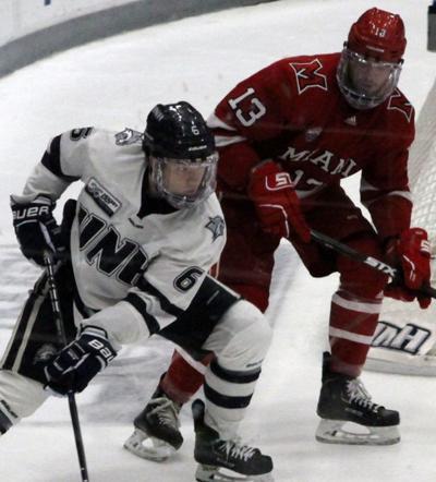 181128-spt-crookshank181125-spt-unhhockey-013