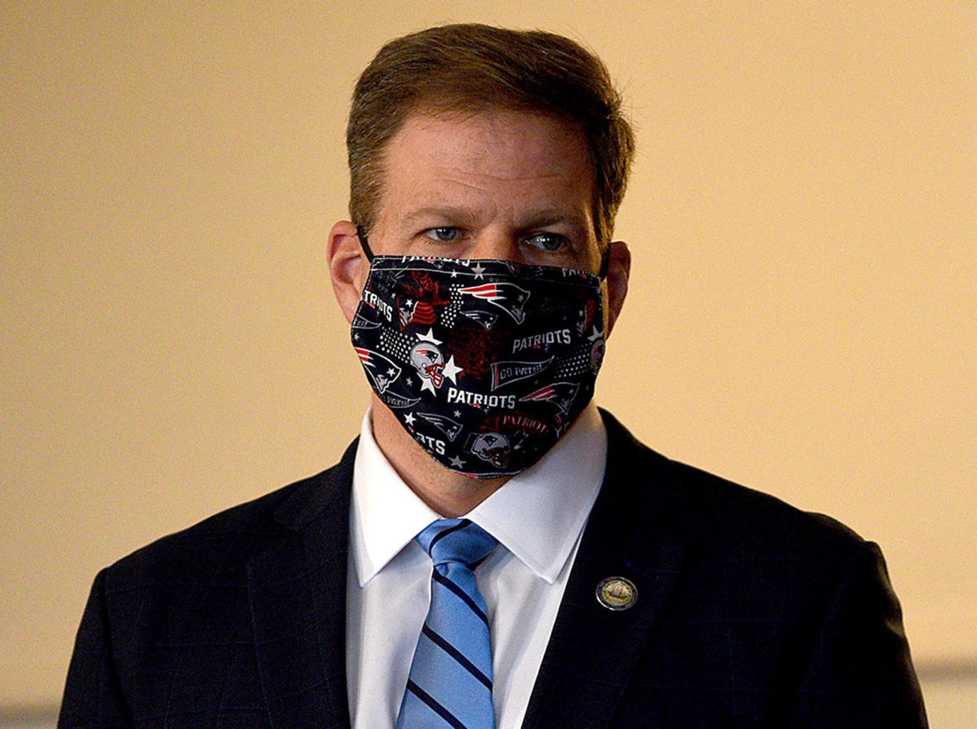 Gov. Sununu in a mask