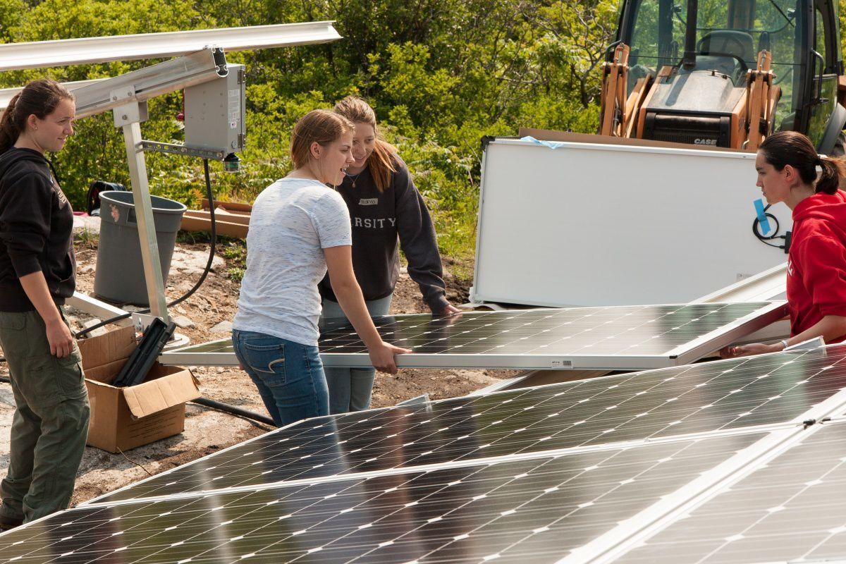 Appledore Island solar panels placed