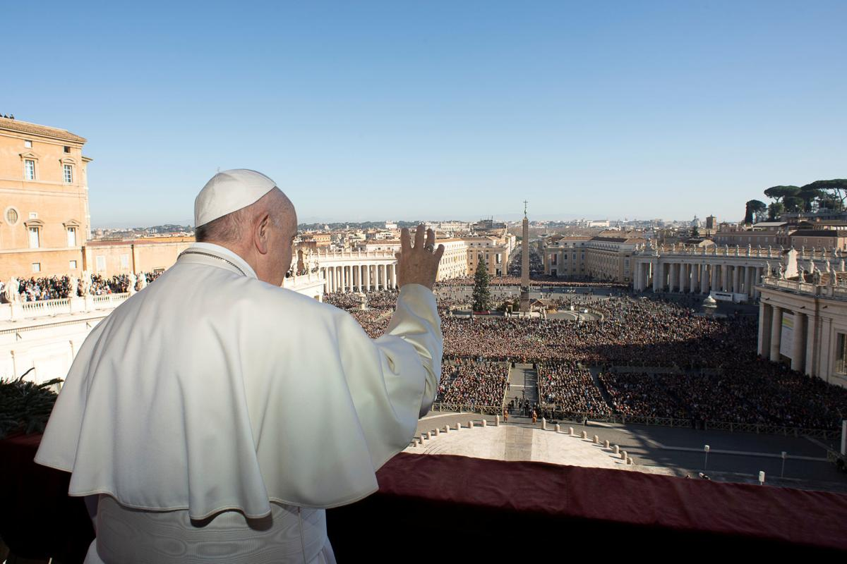 Pope Francis delivers the Christmas Day 'Urbi et Orbi' message