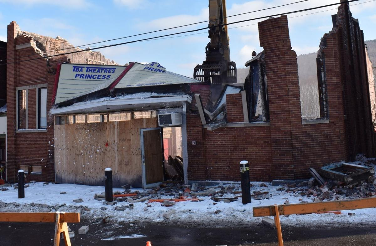 106-year-old Berlin theater demolished