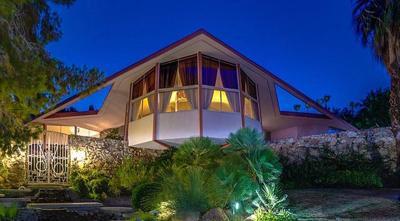 Inside the home where Elvis spent his honeymoon