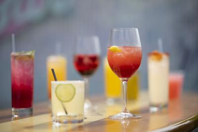 FOOD-WBS-SUMMER-COCKTAILS-1-MS