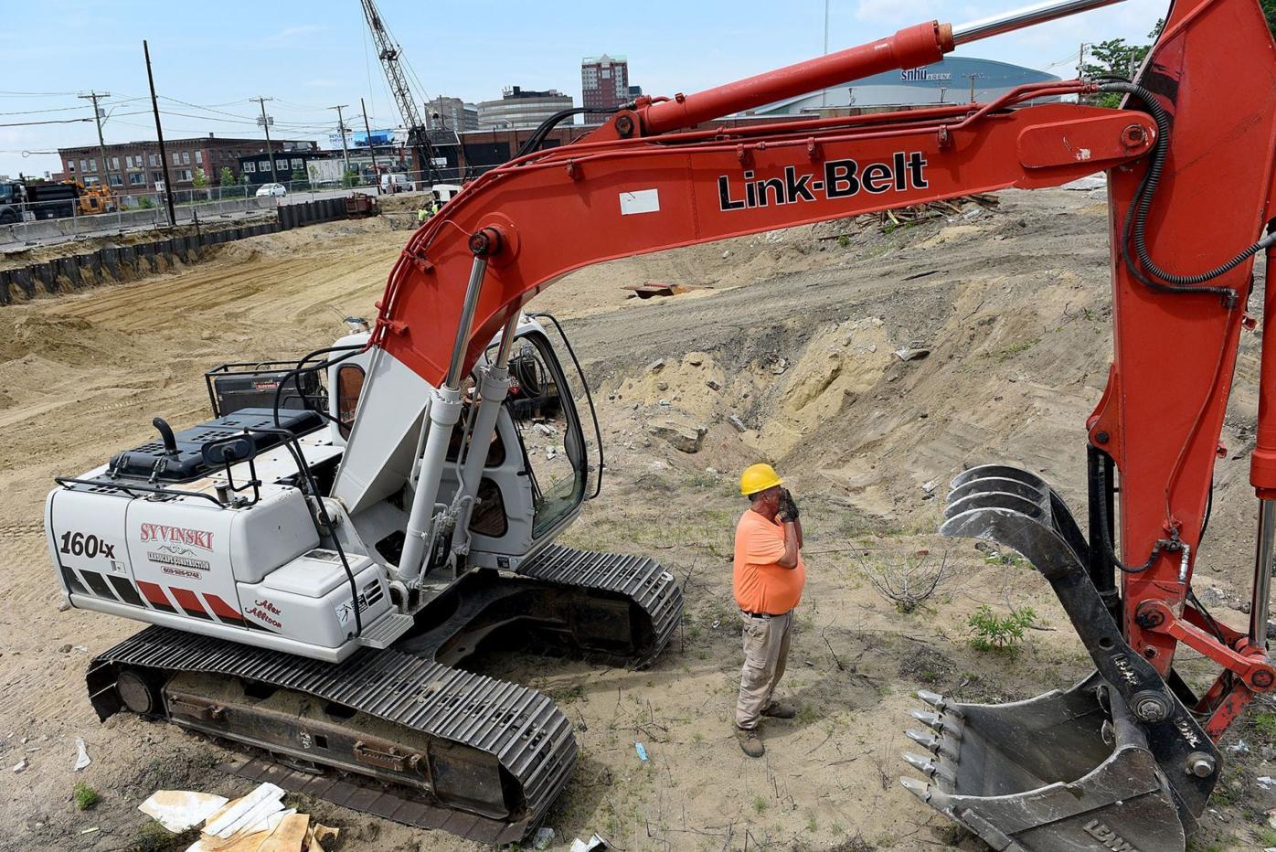 409 Elm St. apartment construction
