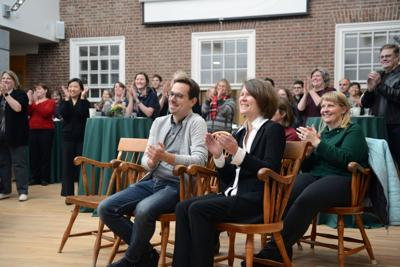 Dartmouth professor wins award for online program