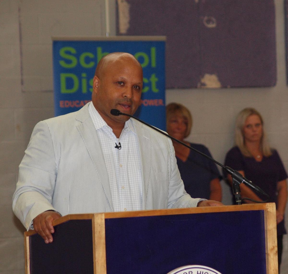 Superintendent Jahmal Mosley