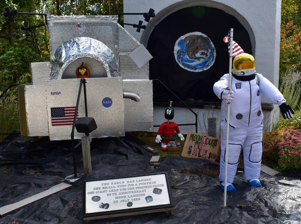 Apollo 11 Pumpkin People
