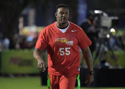 NFL: Pro Bowl-Play Football Celebrity Flag Game