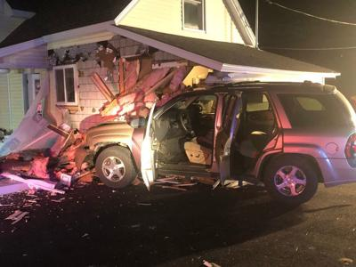Teen driver loses control, crashes into Epping house