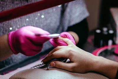 Nail and hair salons take coronavirus precautions