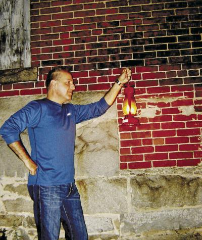 Lantern tours to highlight Nashua's darker side