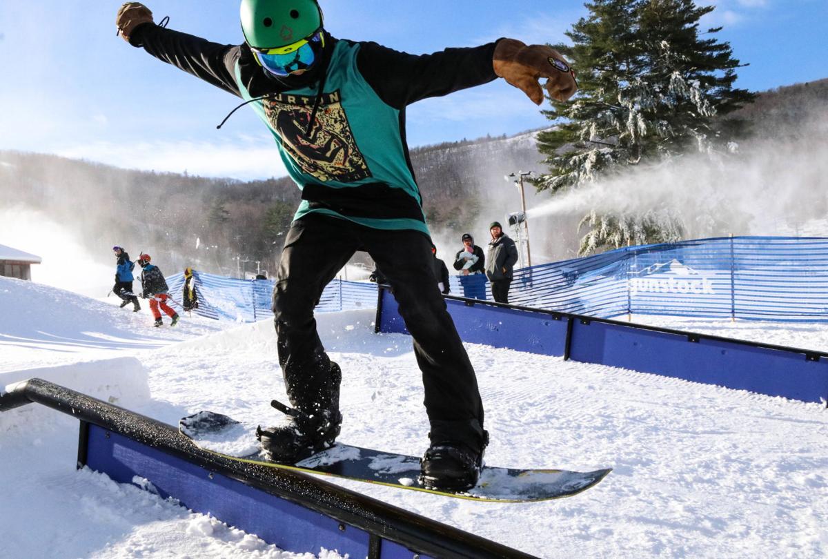 Snowboarding at Gunstock