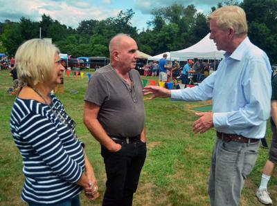 Bill Weld campaigns at Allenstown-Pembroke Old Home Day