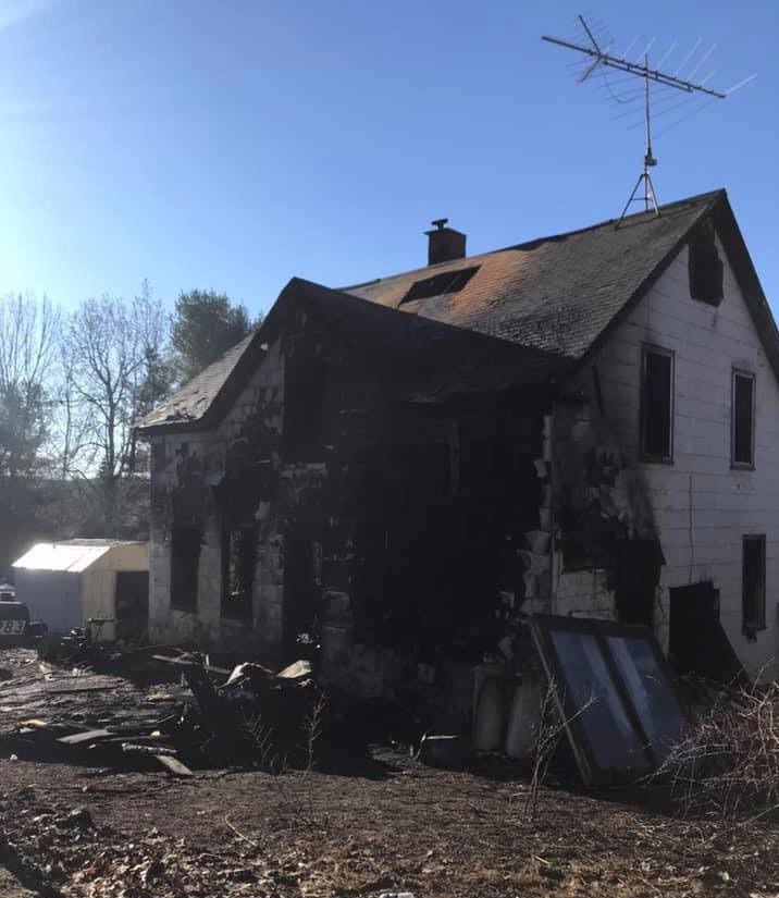 Family safe, pets missing, after fire