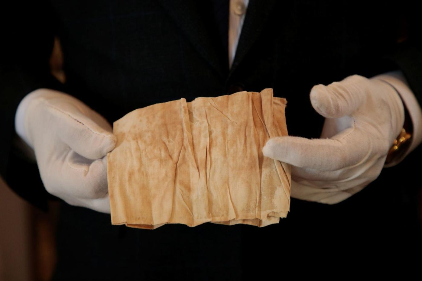 Stockings and a bloodied cloth for auction on Napoleon's bicentenary