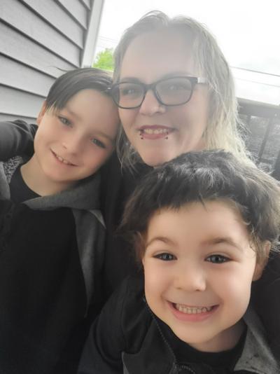Christina Darling and children