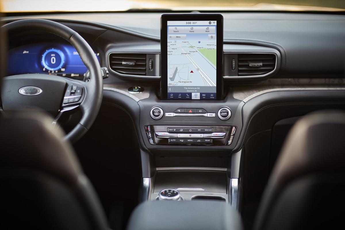 2020 Ford Explorer Pic2