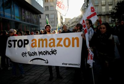 Black Friday Backlash French Activists Try To Disrupt Discount Shopping Day Business Unionleader Com