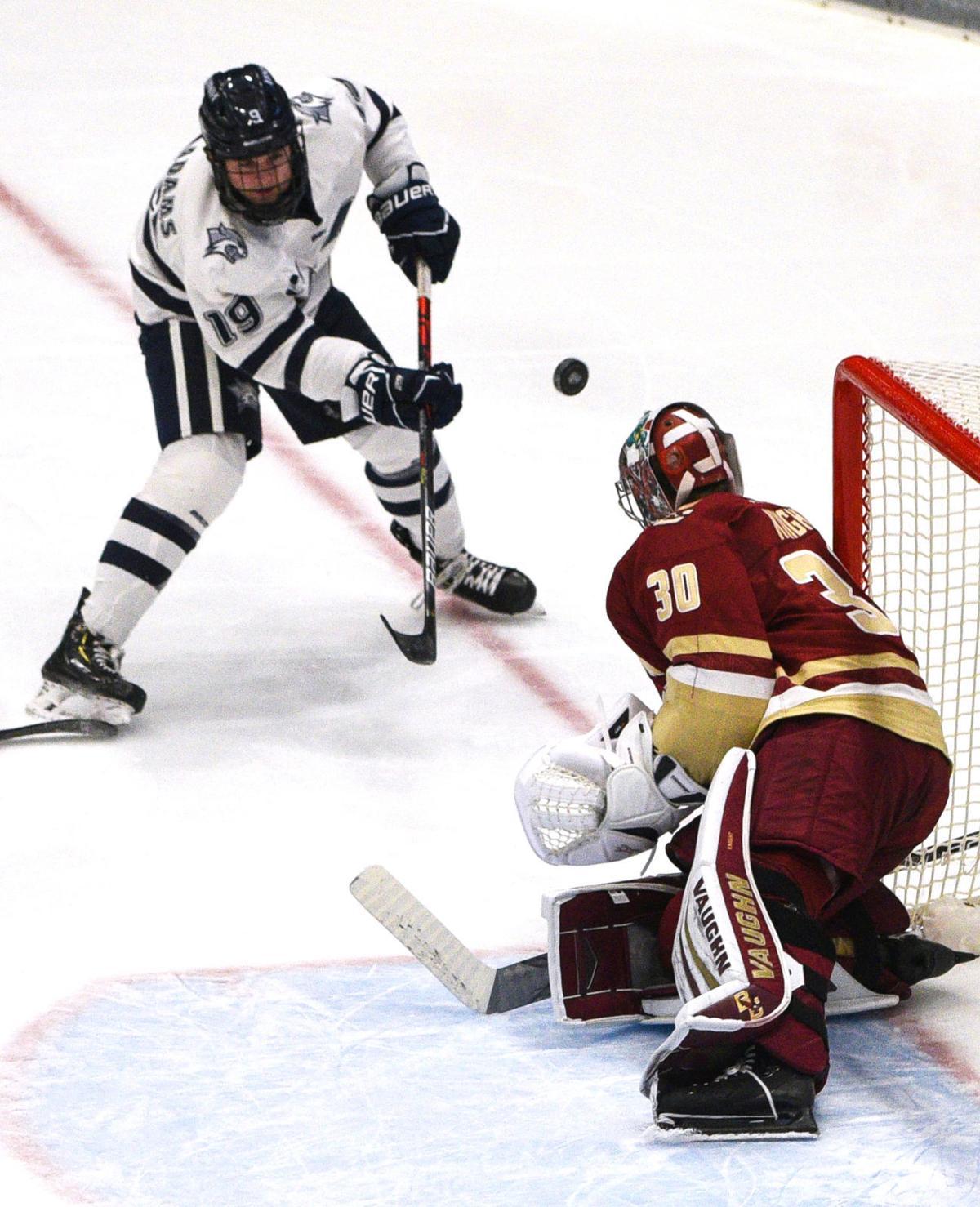 UNH hockey pic 2