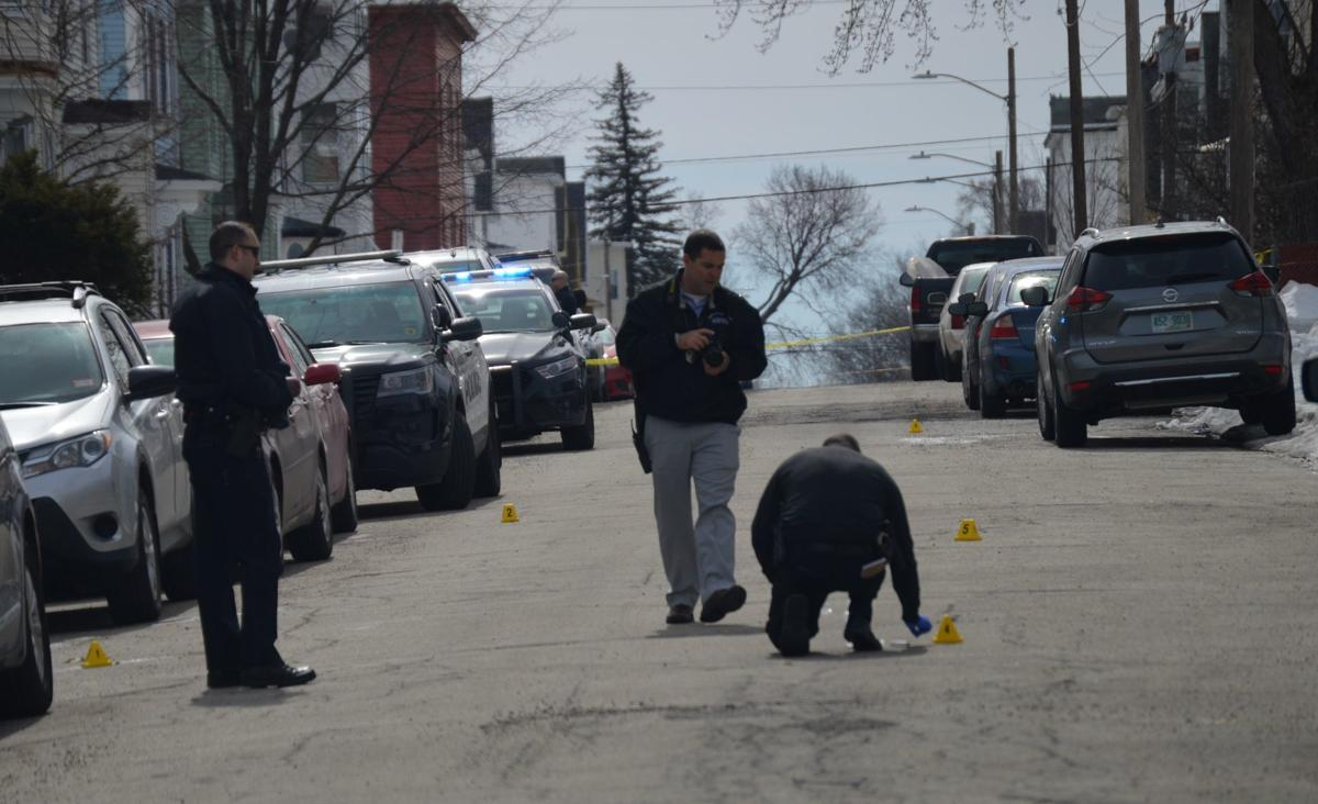 Man shot, hurt on Dubuque Street