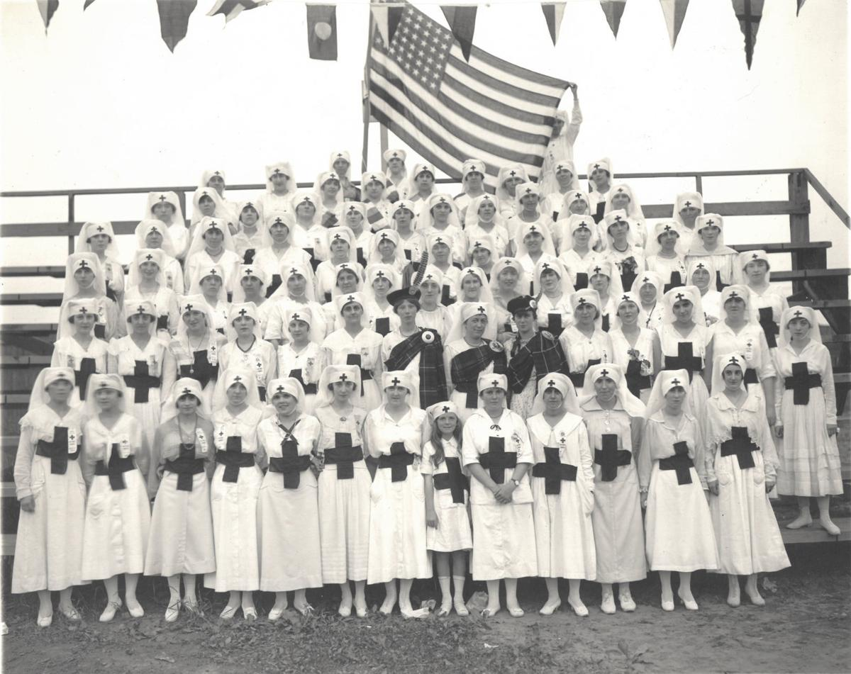 Red Cross nurses, 1918