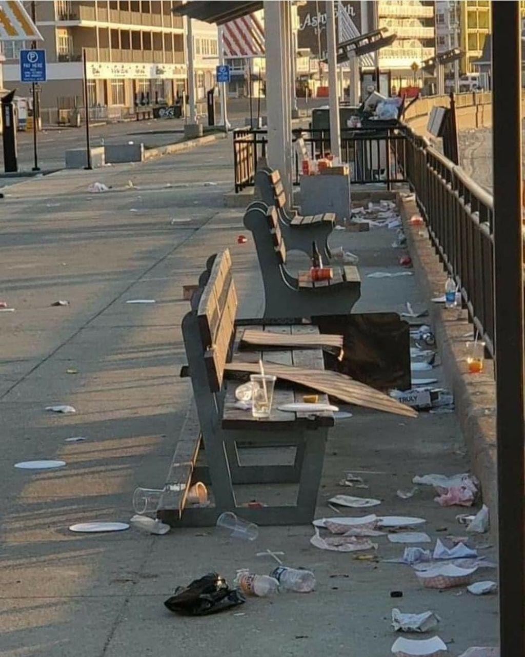 Ocean Blvd. trash