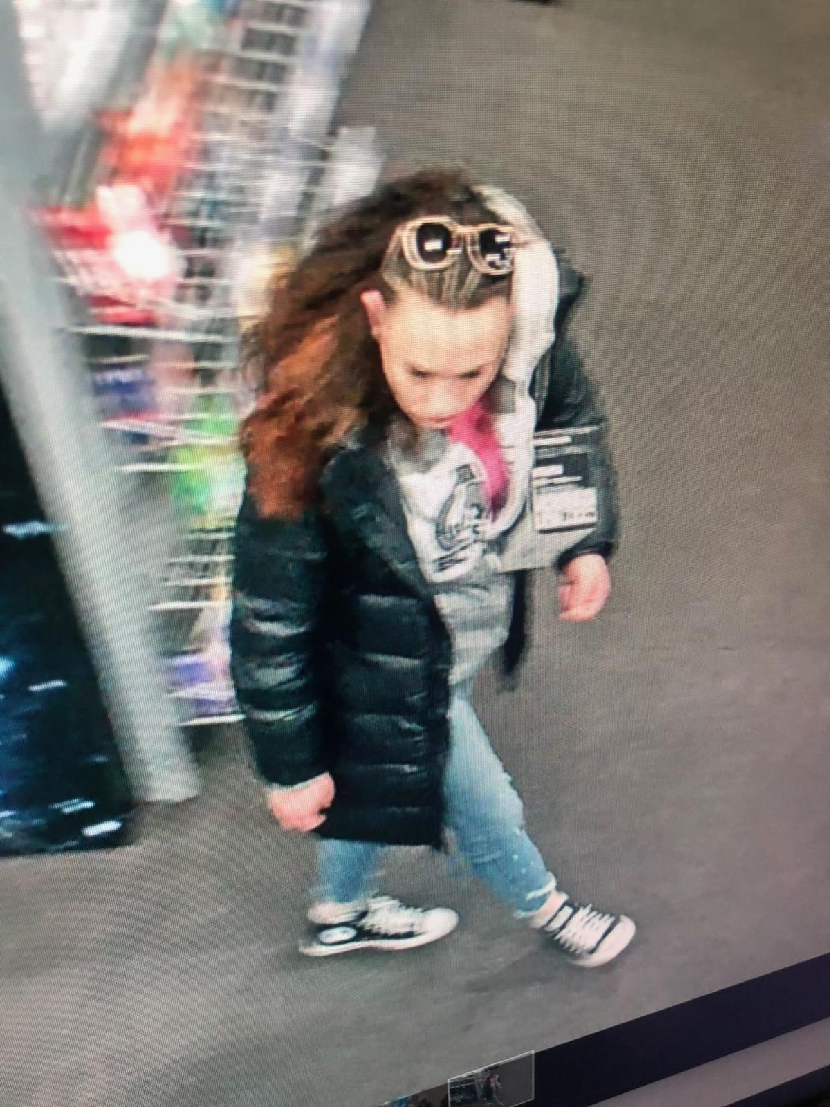 Surveillance photo of Best Buy robbery