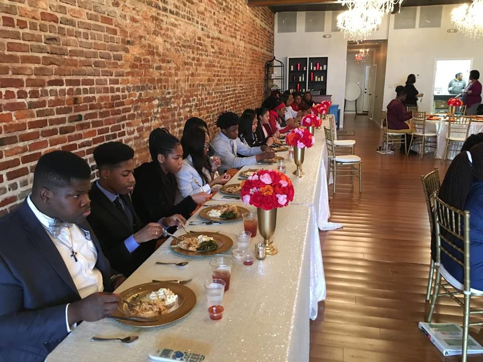Youth Leadership students participating in Meal Demonstration.