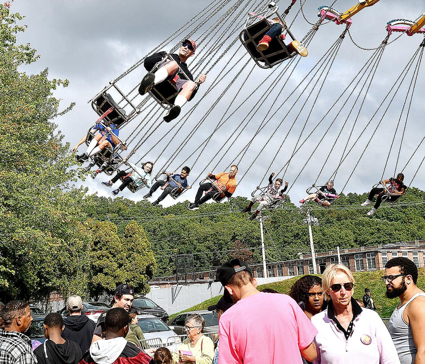 Autumnfest Swing Carousel Ride