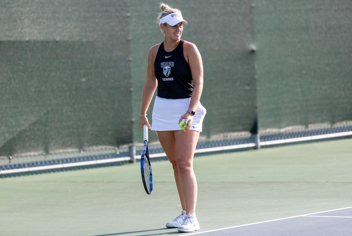 Women's tennis starts solid, eyes on better season record