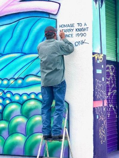 Rip Cronk paints new mural on the boardwalk (Venice Current)
