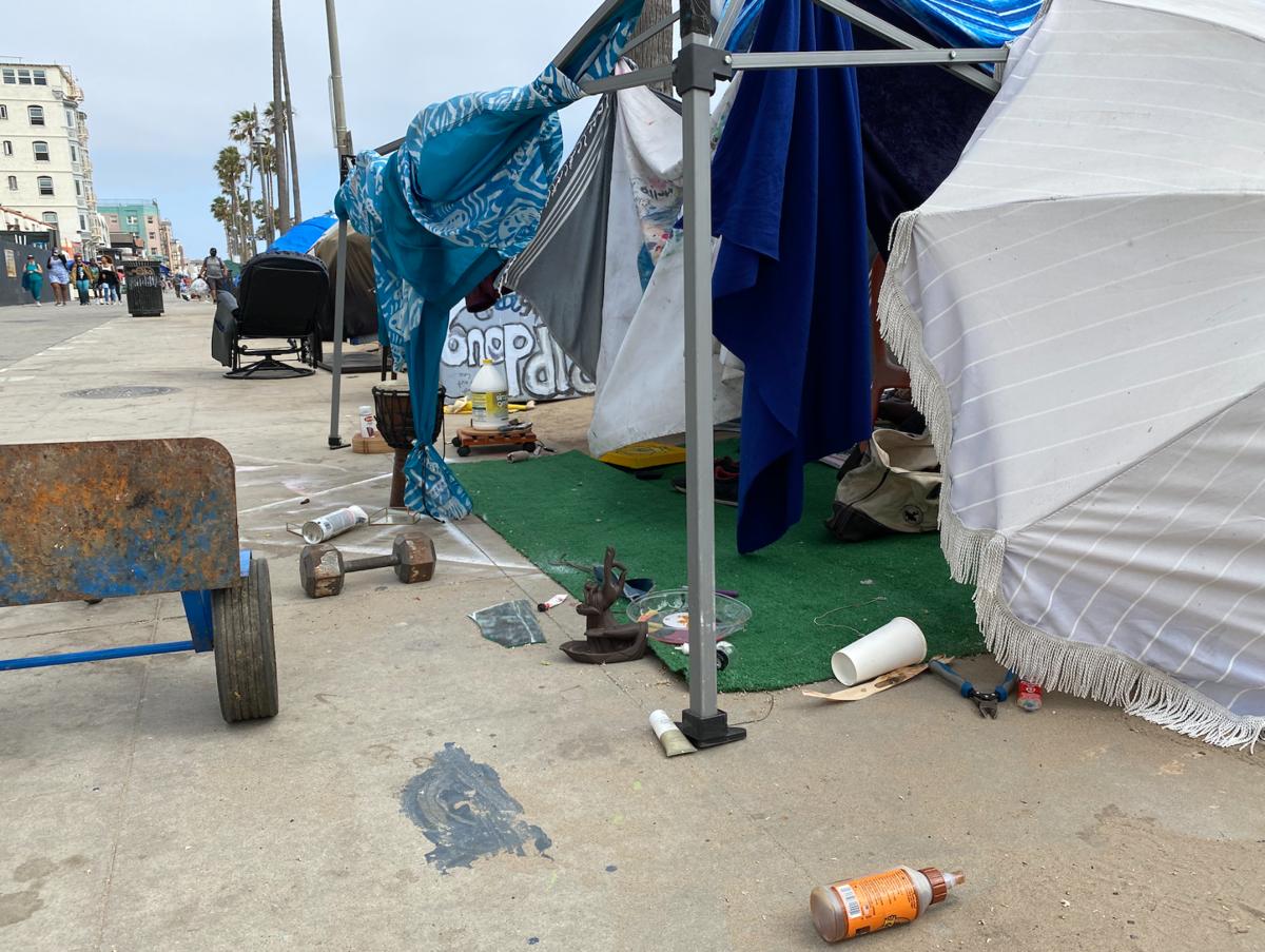 Boardwalk encampments (Venice Current)
