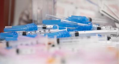 Syringes vaccine covid