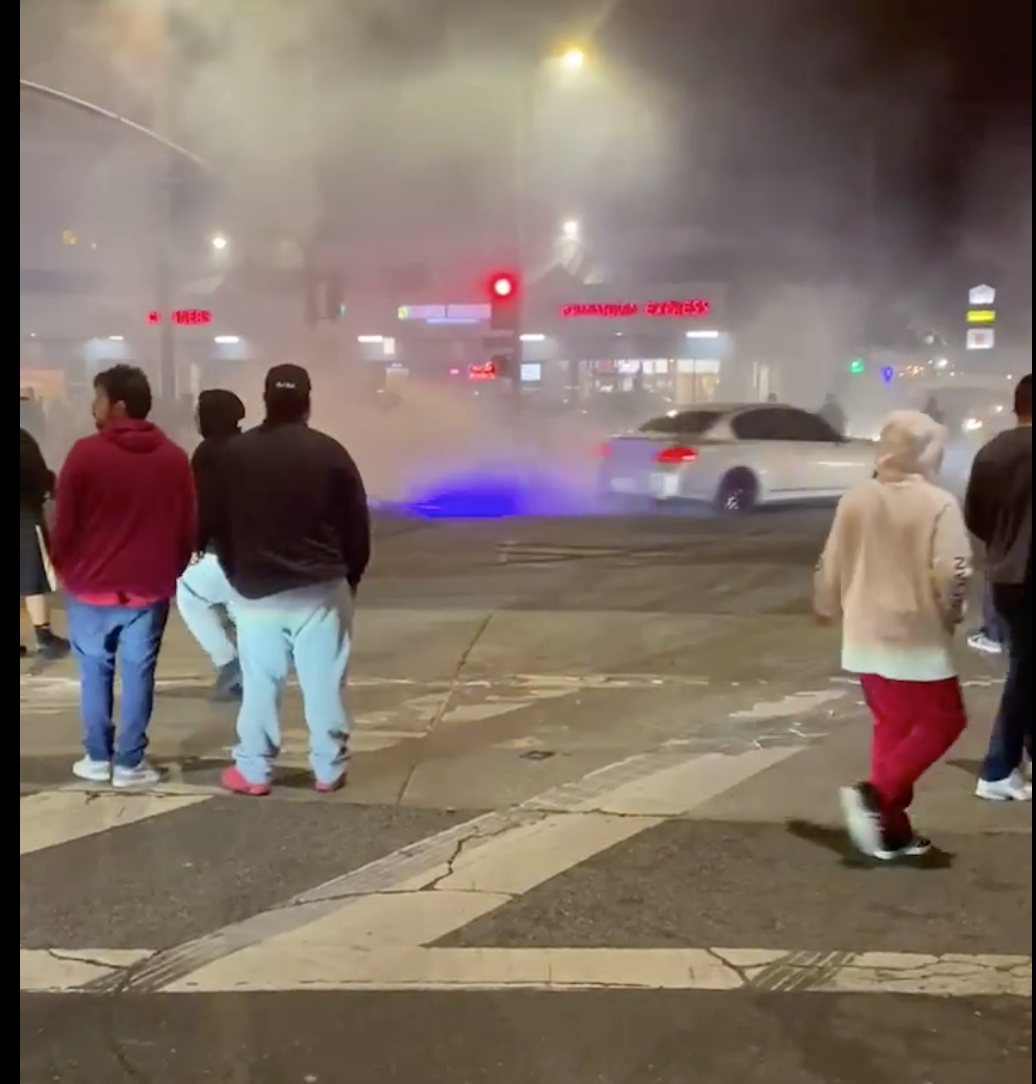 Screenshot of street car racing on Lincoln Blvd and Rose Ave