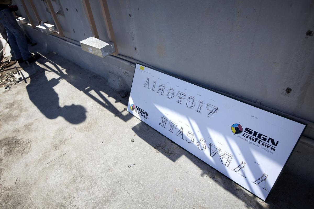 Anchoring Victoria Advocate sign