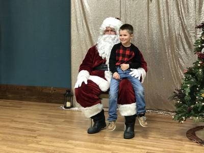 Santa Claus arrives in Edna for breakfast event