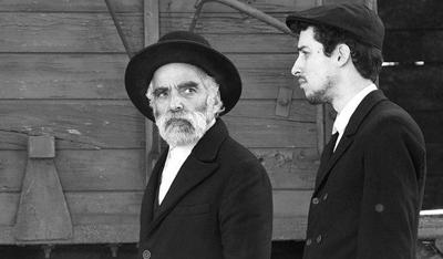 Iván Angelus and Marcell Nagy star in '1945'