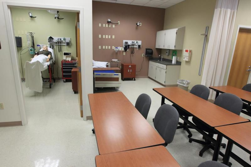 UHV School of Nursing needs transfusion to remain alive in Victoria
