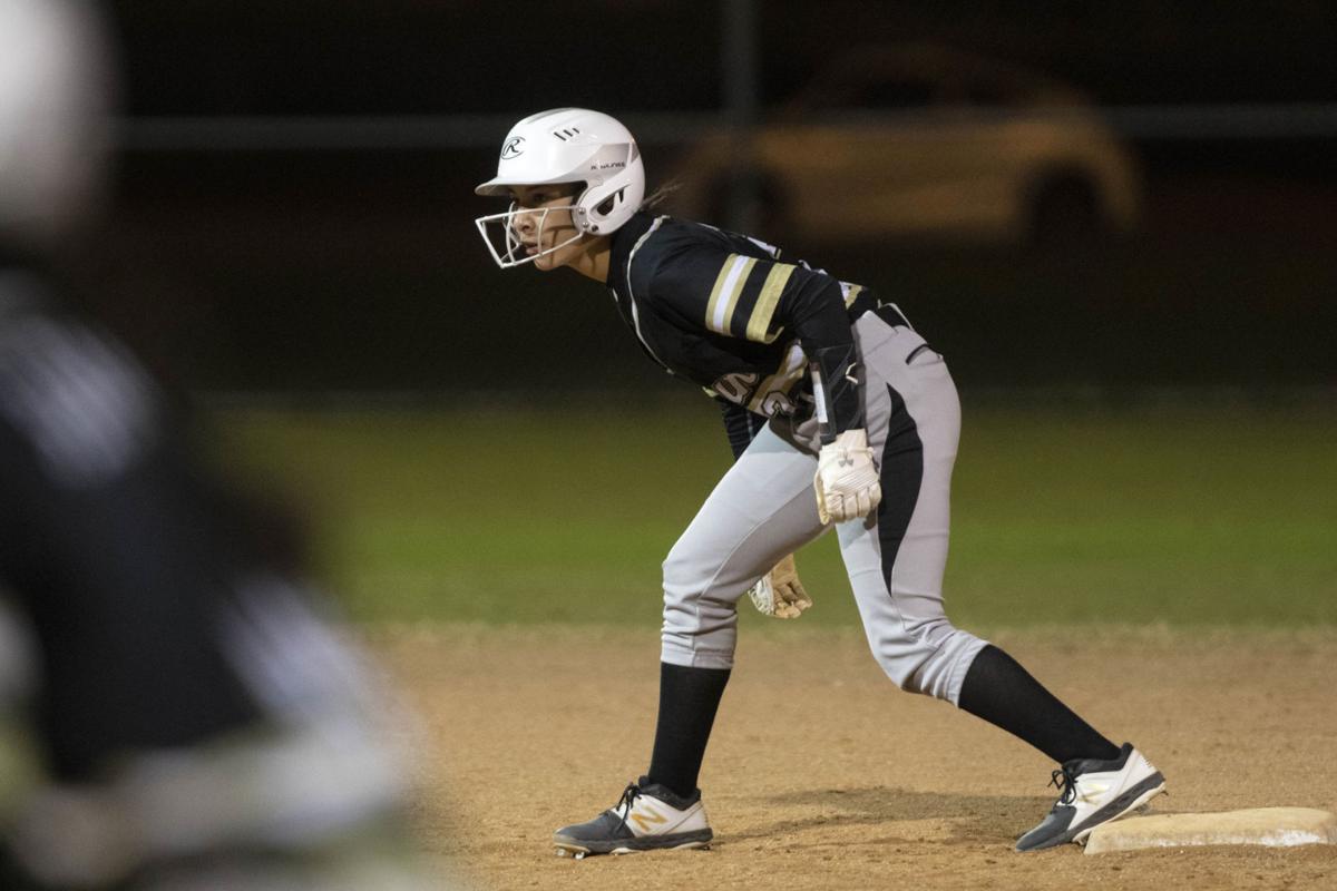 Victoria East vs Calhoun softball
