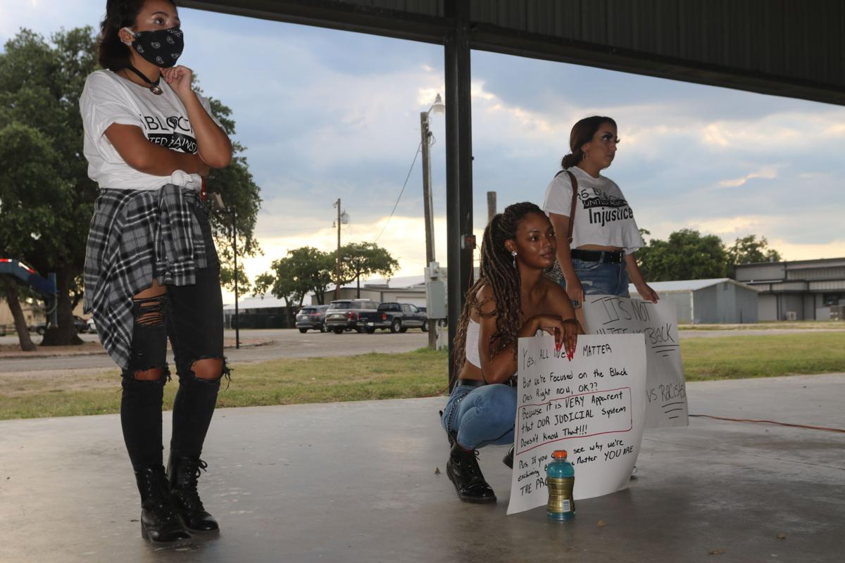 Cuero protesters