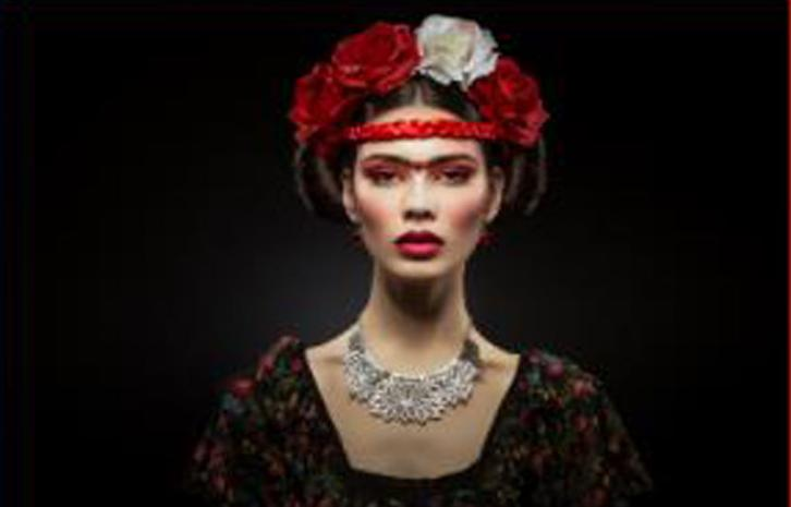 Square Gallery: Frida In Red