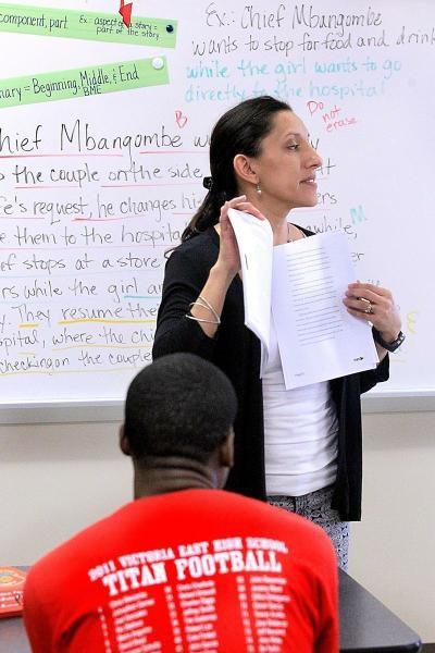 Hispanic students outnumber Hispanic teachers by 3 to 1