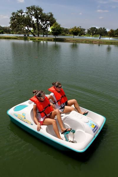 Paddle boats 'working out' at Cuero park (video)