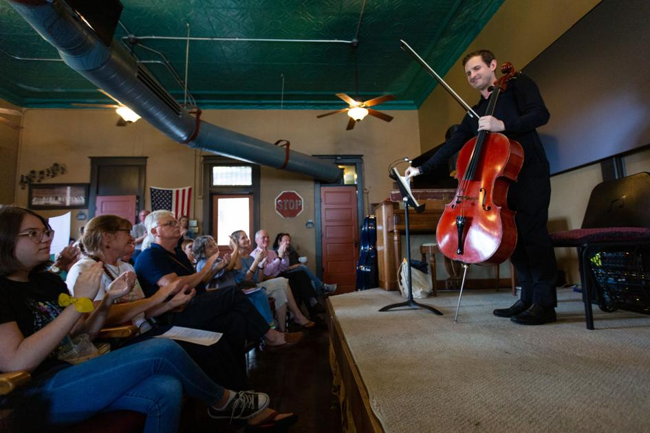 Music, guests fill coffeehouse at BachFest Breakfast