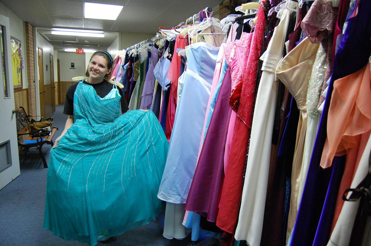 Cinderella Boutique provides free prom dresses to local girls | News ...