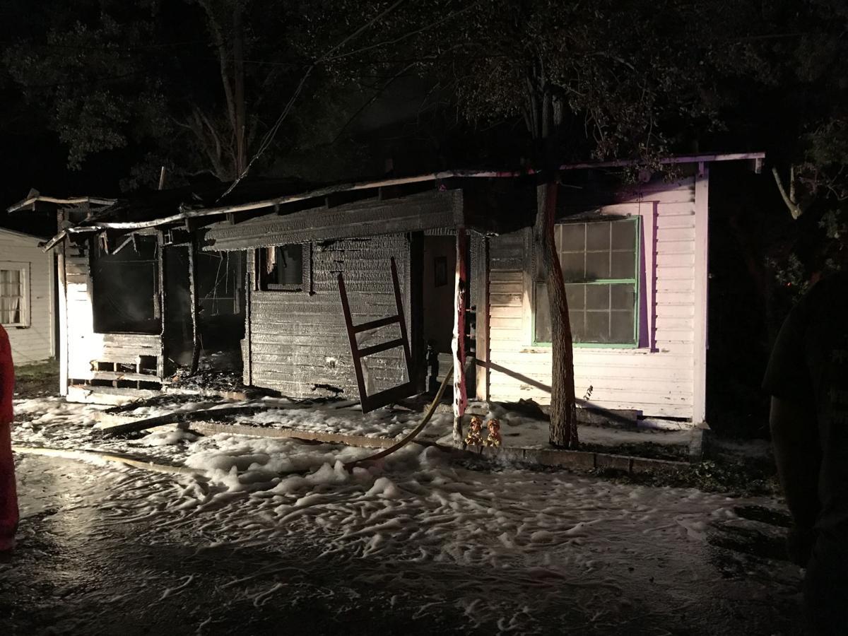 Yorktown motel duplex burns Thursday morning